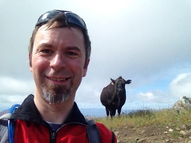 Olivier et une vache en Californie